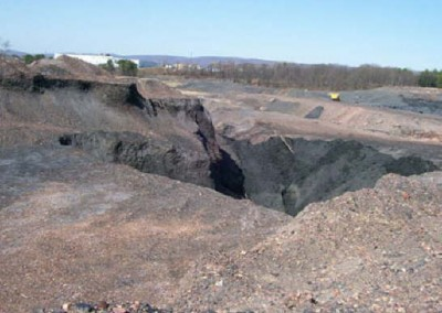 While Huber III had a large pit to be filled, Huber IV was covered by large culm piles and pits like this.